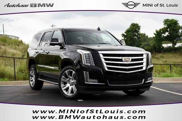 Pre Owned 2017 Cadillac Escalade Luxury