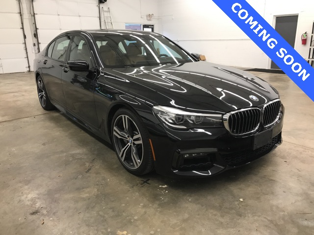 Pre-Owned 2017 BMW 7 Series 740XI