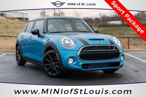 Pre-Owned 2015 MINI Cooper S Hardtop 4DR